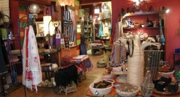 Oum El Dounia:  French Inspired Souvenir Browsing