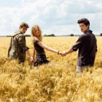 Pull and Bear: Basics Are Best at Pull and Bear Mohandeseen