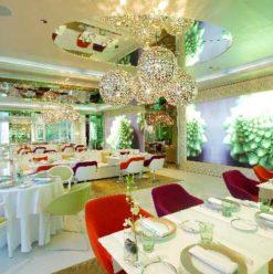 La Maison Blanche: Fantastic Winter Wonderland at the First Place