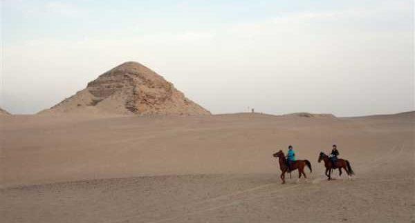 Al Sorat Farm: Horseback Riding in Sakarra