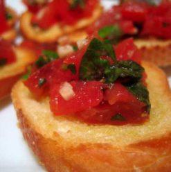 La Mezzaluna: Perfect for a Table for Two