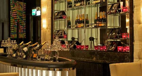 The Champagne Bar: Bring on The Bubbly