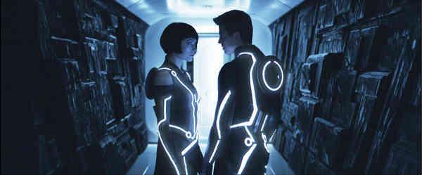 Tron: Legacy: Dull Film, Stunning Visuals