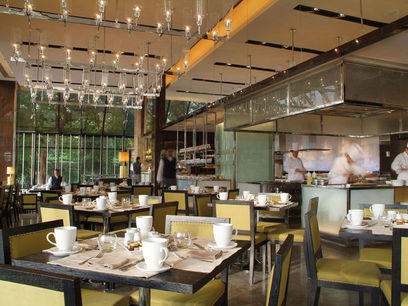 Night & Day: Nearly Flawless Fetar at the Semiramis Intercontinental