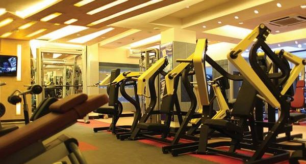 Gold's Gym: Small but Luxurious Gym in Mohandiseen
