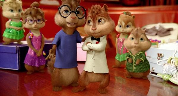 Alvin and the Chipmunks: Chip-Wrecked: Squeaky Singing and Cheesy Puns