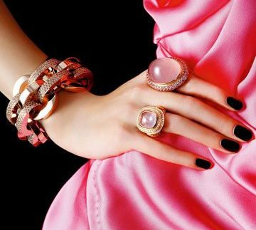Much More: Colourful Accessories in Nasr City's Genena Mall