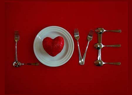 هدايا وخروجات عيد الحب 2012