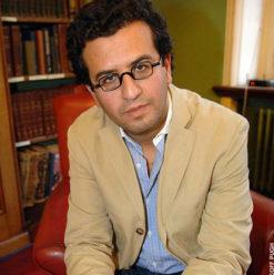 حفل توقيع كتب هشام مطر في مكتبة ديوان الزمالك