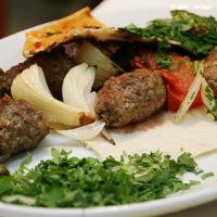 حبايب السيدة: أطباق لحوم شهية في السيدة زينب