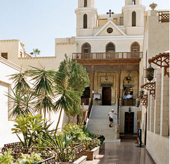 الكنيسة المعلقة: شوف واعرف أقدم كنيسة فى مصر