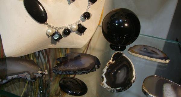 Divine Crystallized Energy: Mystical Powers of Stones in Zamalek
