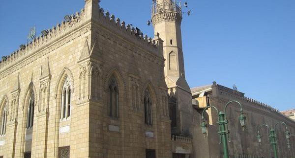 مسجد الإمام الحسين: ثلاثة مشاهد ومقام واحد