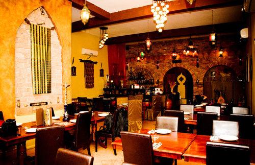 الخان: مطعم وكافيه بطابع شرقي في مدينة نصر