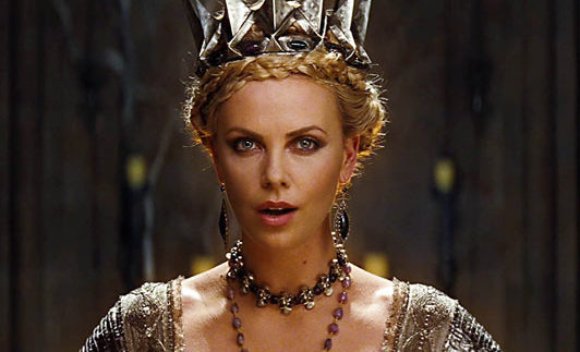 Snow White and the Huntsman: Dark Twist on Classic Tale