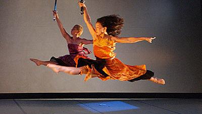مهرجان الربيع: مرأة الكهف: التجسد القادم في مسرح الفلكي
