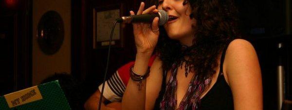 إلينورا إينوتا في كايرو جاز كلوب