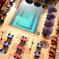 فندق سفير: قضى يومك على حمام السباحة فى الدقى