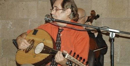 """""""البابلي"""" يعزف احتفالاً بعيد الموسيقي بطاز"""