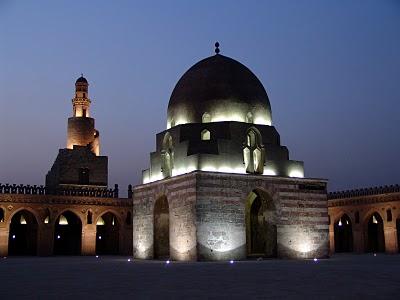 مسجد أحمد بن طولون: جامع إسلامى بهندسة مسيحية