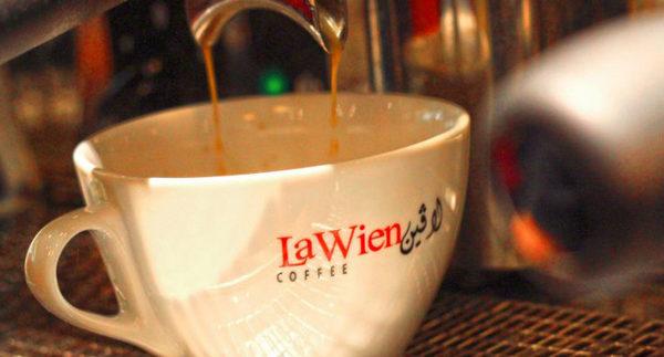 لاﭬين: قهوة وأكل لطيف لاسم معروف فى مول العرب