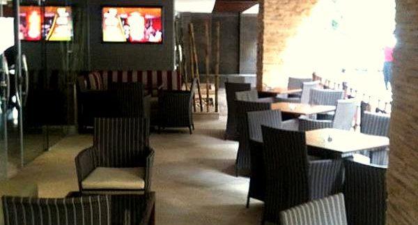 Barocco Lounge: Chic Restaurant in Mohandiseen