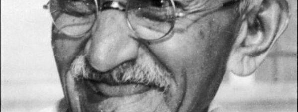 عرض فيلم غاندي في آرت اللوا