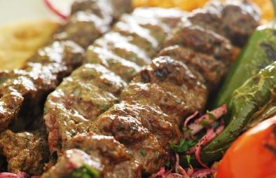 حاتي أبو باسم: مشويات وأكلات مصرية في الحسين