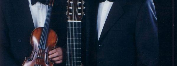 ثنائي الفيولينة والجيتار في دار أوبرا القاهرة