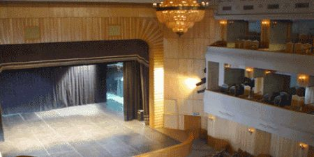 فرقة أوبرا القاهرة على المسرح المكشوف