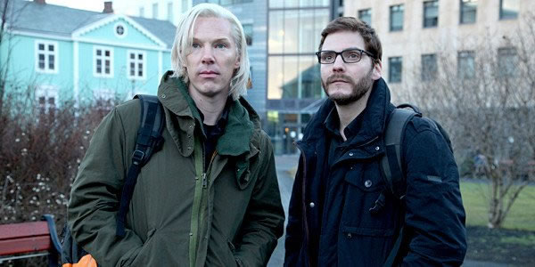 The Fifth Estate: Overcomplicated Take on the Story Behind Wikileaks