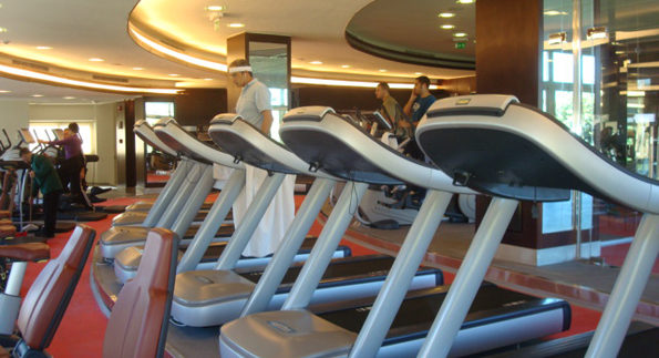 Gold's Gym Elite: Pricey Fitness Haven in Katameya Heights