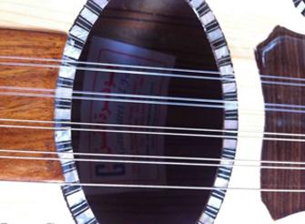جوهرة الفن: آلات موسيقية وإكسسوارات في وسط البلد