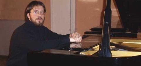 حفل ريسيتال بيانو لـ Hrvoje Ivovic بمسرح الجمهورية