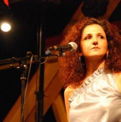 حفل تانيا صالح على مسرح الجنينة