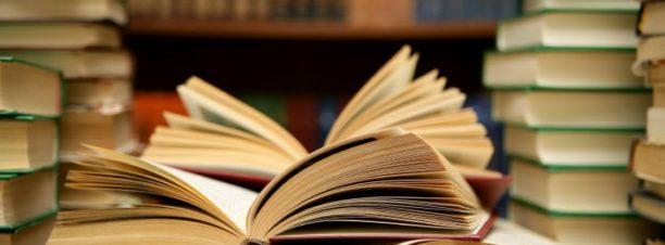 """حفل توقيع ومناقشة """"نهايات سعيدة مشفوعة بسيرة الحارس الليلي للأوتيل"""" بمكتبة البلد"""