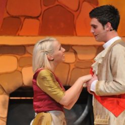 """العرض المسرحي """"Cinderella and the Golden Shoes"""" بمركز القاهرة الدولي للمؤتمرات"""