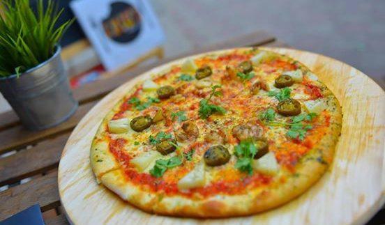 Lujo's Fresh Junk: Fresh Gourmet Fast-Food in Zamalek