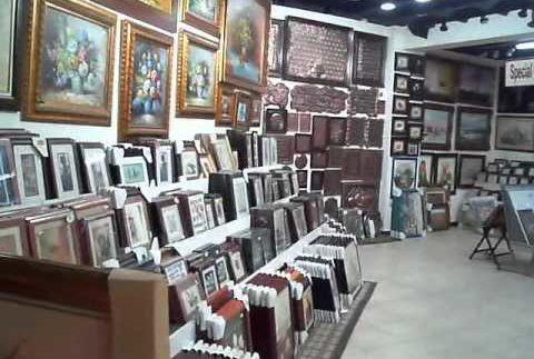 كادر: براويز ولوحات فنية مبتكرة في المعادي