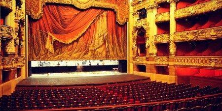 """عرض """"ميتانويا"""" على مسرح الهناجر"""