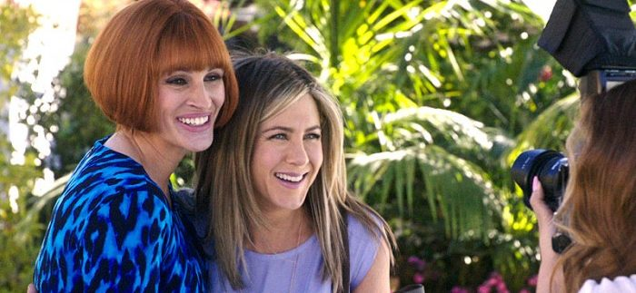 Mother's Day: Julia Roberts' Wig Stars in Another Cheesy Garry Marshall Ensemble Rom-Com