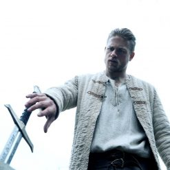 King Arthur The Legend of the Sword: Swashbuckling Guy Ritchie Adaptation Lacks Depth