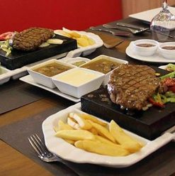 The Stonegrill: Porto Cairo Restaurant Fails to Offer Anything Unique