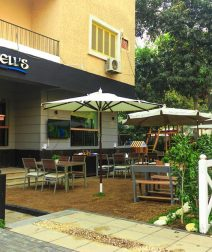 Bell's: More Relaxing Than Dining, More Cafe Than Restaurant