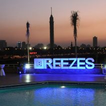 BREEZES Lounge & Grill