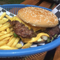 Salt: Maadi Residents in Danger of Becoming Addicted to Dry-Aged Beef Burger Specialist