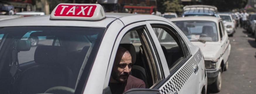 على جنب يا أسطى.. دليلك لفهم شخصية سواق التاكسي في القاهرة