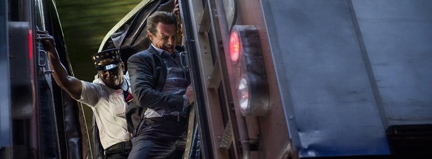 فيلم The Commuter: ليام نيسون وهو بيلعب ليام نيسون