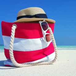 The Beach Bag Essentials That You Can't Go Without