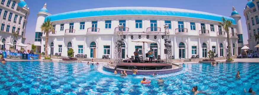 Royal Maxim Palace Kempinski Will Help You Celebrate Eid in Style
